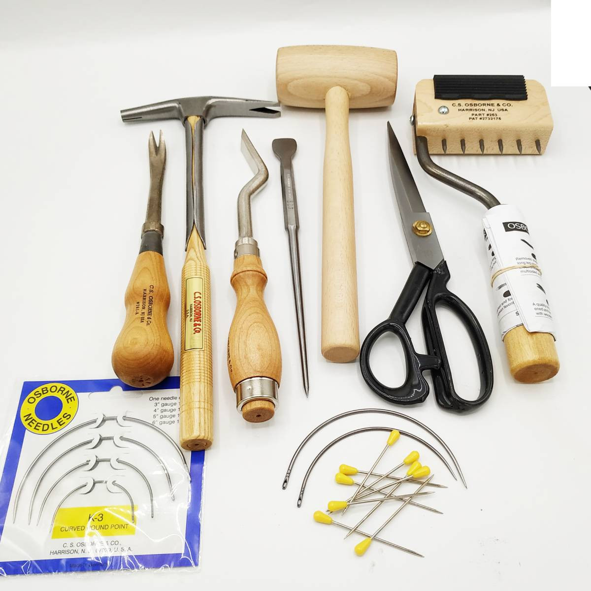 Kit Outils Tapissiers 4